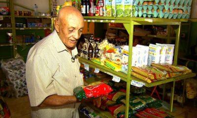 Leilão da igreja arremata R$ 12 mil em pacote de macarrão