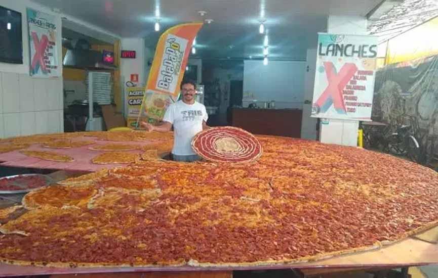 Pizzaria No Guarujá Prepara Pizza Gigante De 5 Metros Para