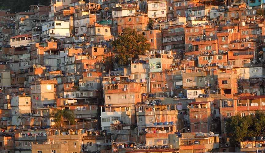 Resultado de imagem para favela