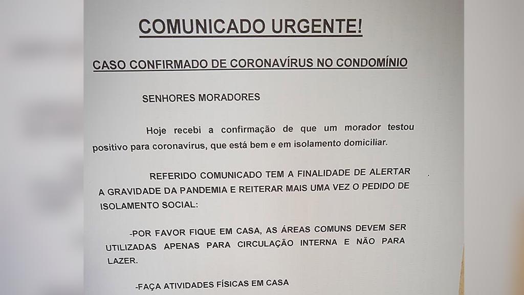 Condomínio de Jundiaí fixa aviso de que morador está com