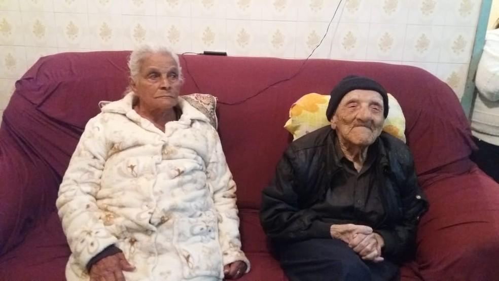 Raimundo Leonardo e sua mulher. Nivercina Maria, se recuperaram do Covid-19.